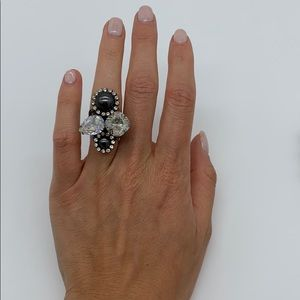 Jewelry - Adjustable pearl and crystal ring